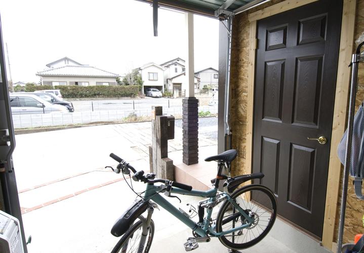 ガレージの主役は大切な自転車たち